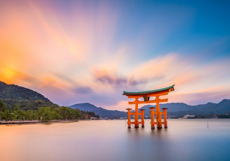 Students and host families wanted for Japanese exchange
