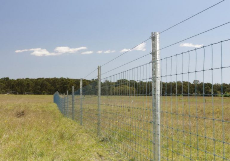How to maintain farm fencing