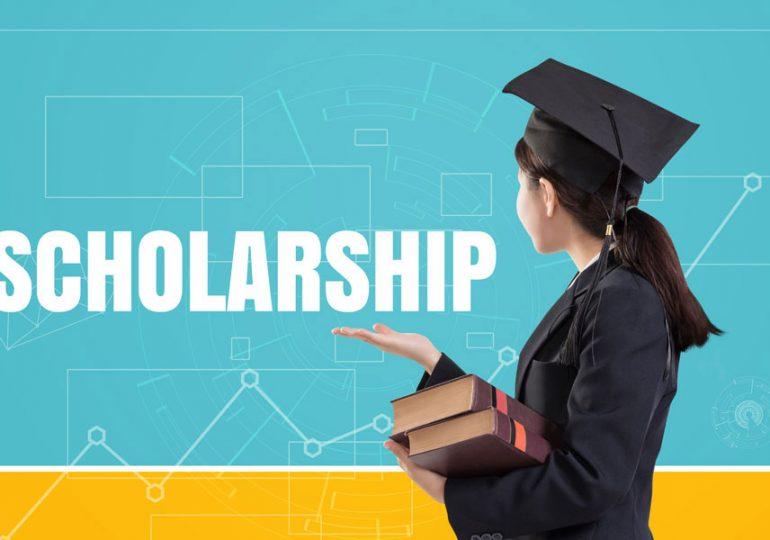 30 Territory students receive university scholarships