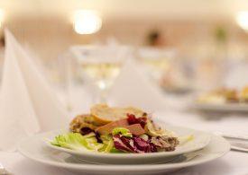 Progressive dinner offers foodies culinary adventure