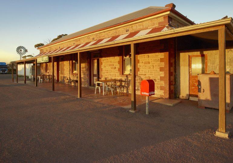 Australia Post assist Australian Red Cross to help bushfire affected communities